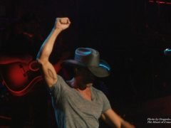 Tim McGraw Reminds Me 'There is a Time to Dance'
